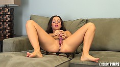 Abigail Mac puts that cunt right up front and uses her dildo